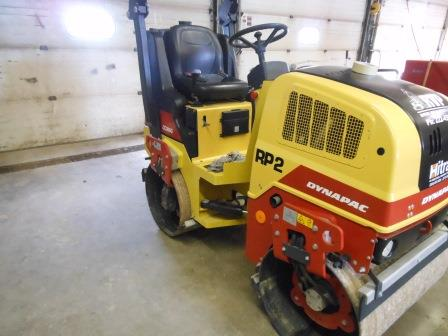 RP2 Asphalt Vibratory Compactor with Water Container